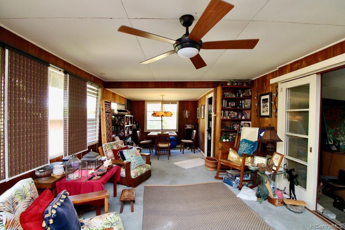 652  Lawelawe Street Aina Haina Area, Diamond Head home - photo 3 of 24