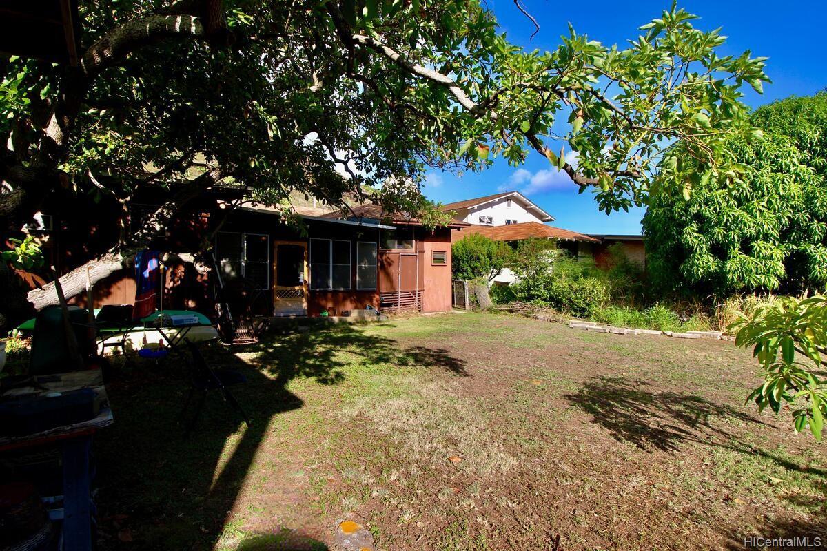 652  Lawelawe Street Aina Haina Area, Diamond Head home - photo 22 of 24