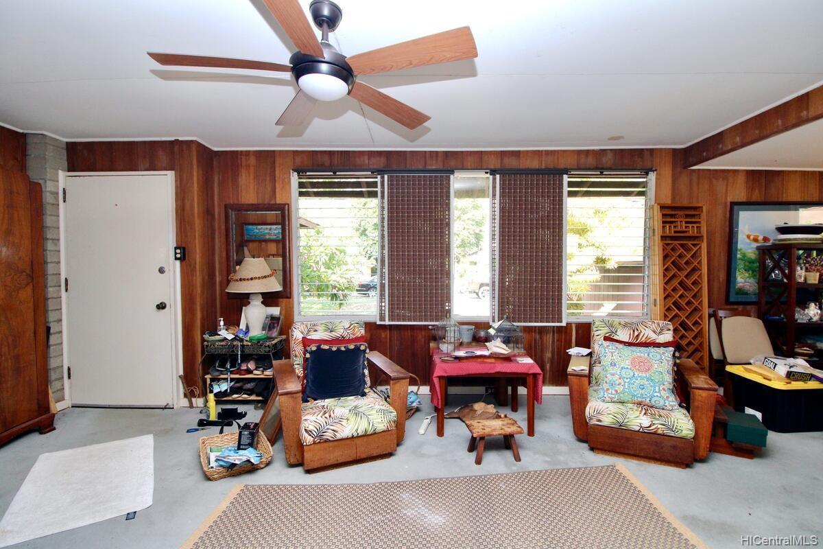 652  Lawelawe Street Aina Haina Area, Diamond Head home - photo 5 of 24
