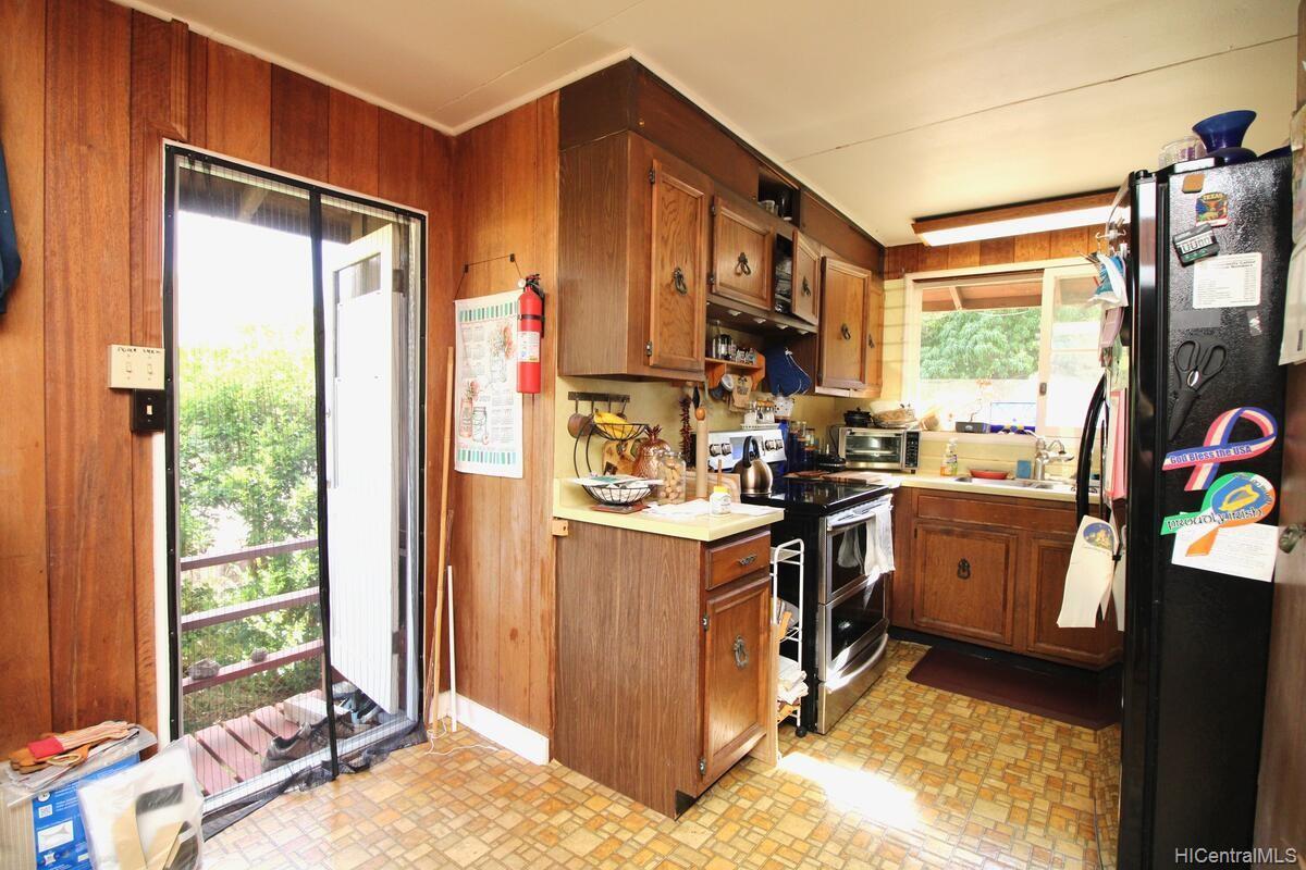 652  Lawelawe Street Aina Haina Area, Diamond Head home - photo 8 of 24