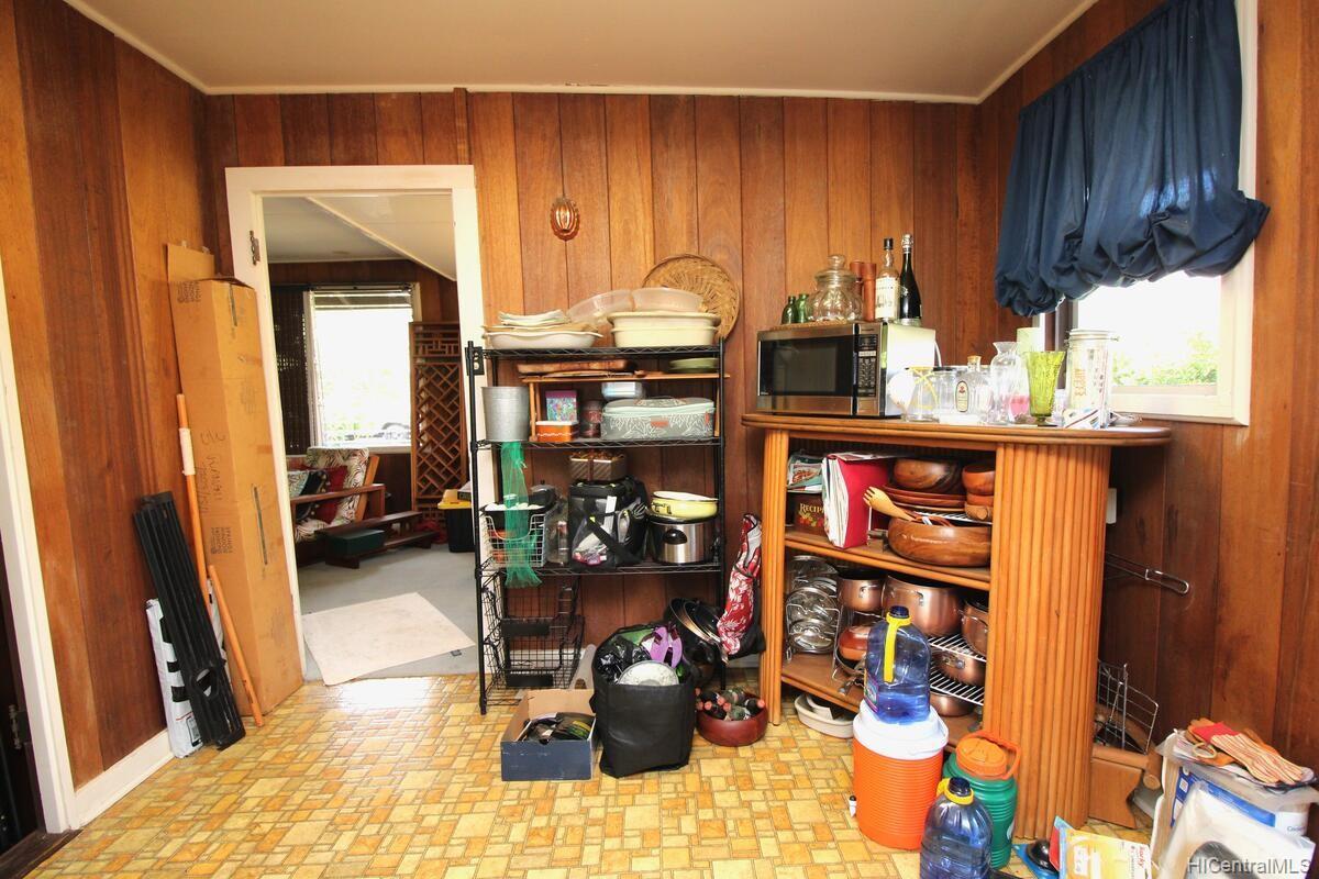 652  Lawelawe Street Aina Haina Area, Diamond Head home - photo 9 of 24