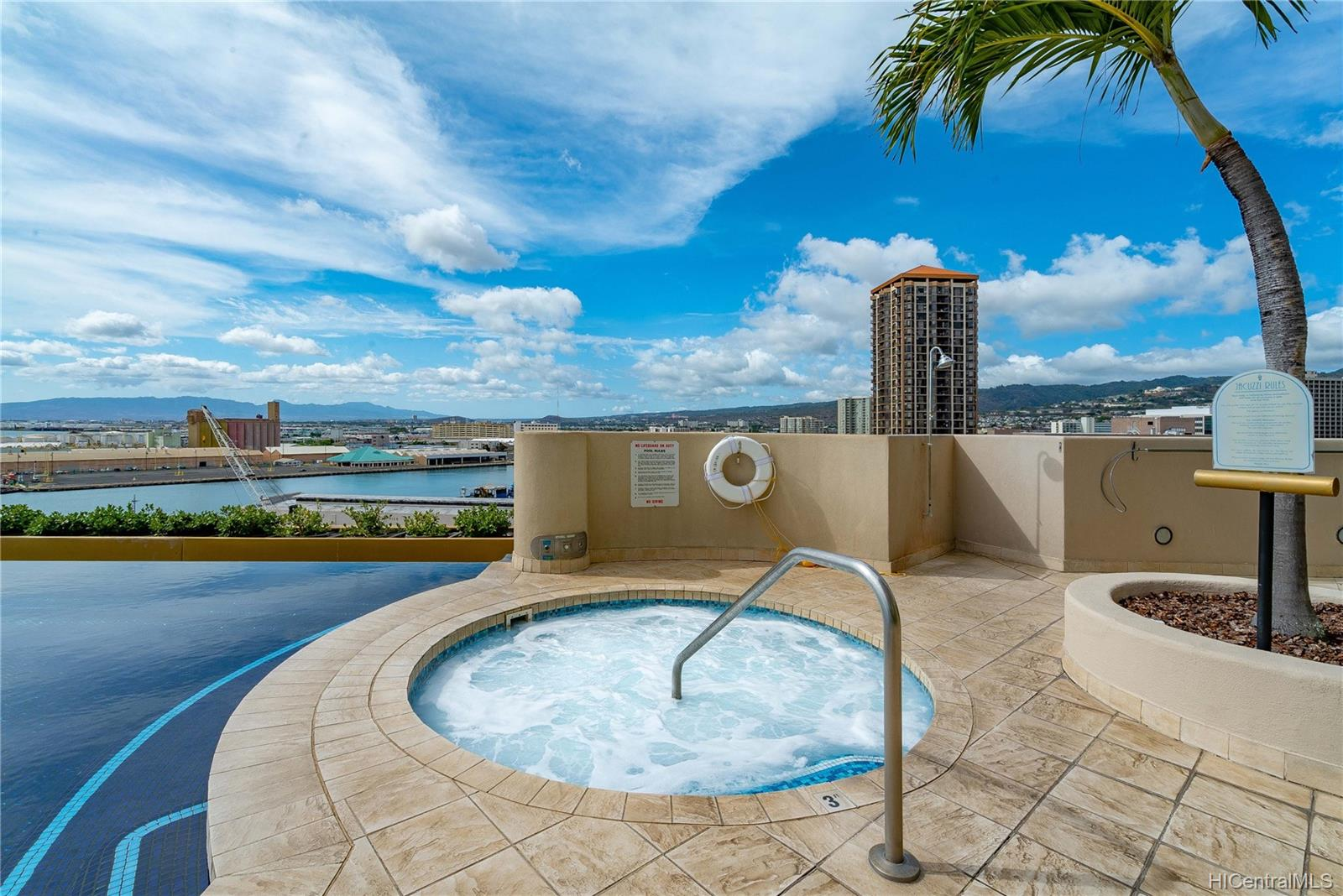 Harbor Court condo # 1705, Honolulu, Hawaii - photo 19 of 23