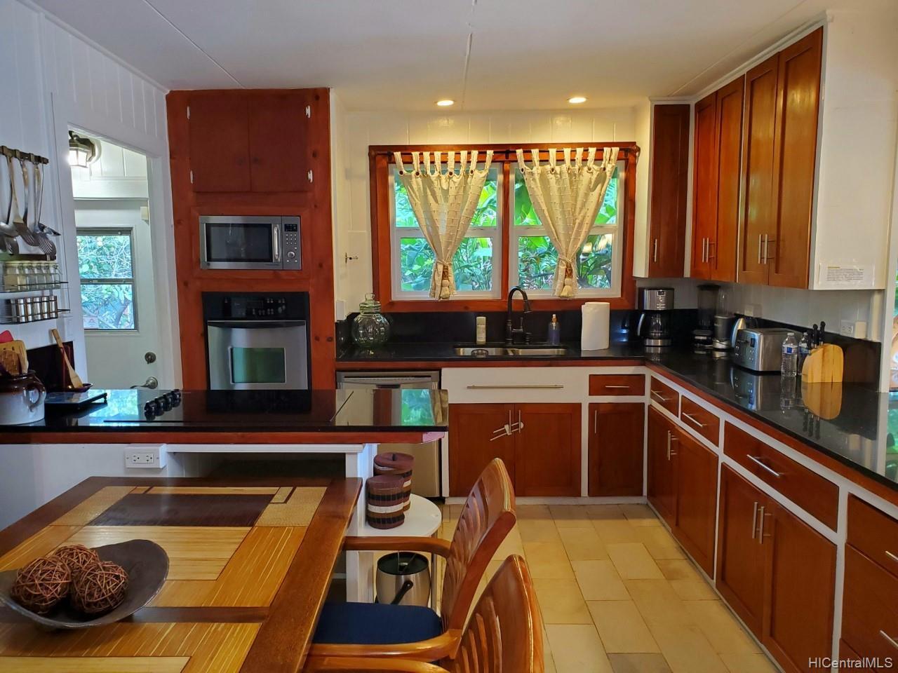 66-210B  Kamehameha Hwy Haleiwa, North Shore home - photo 12 of 25