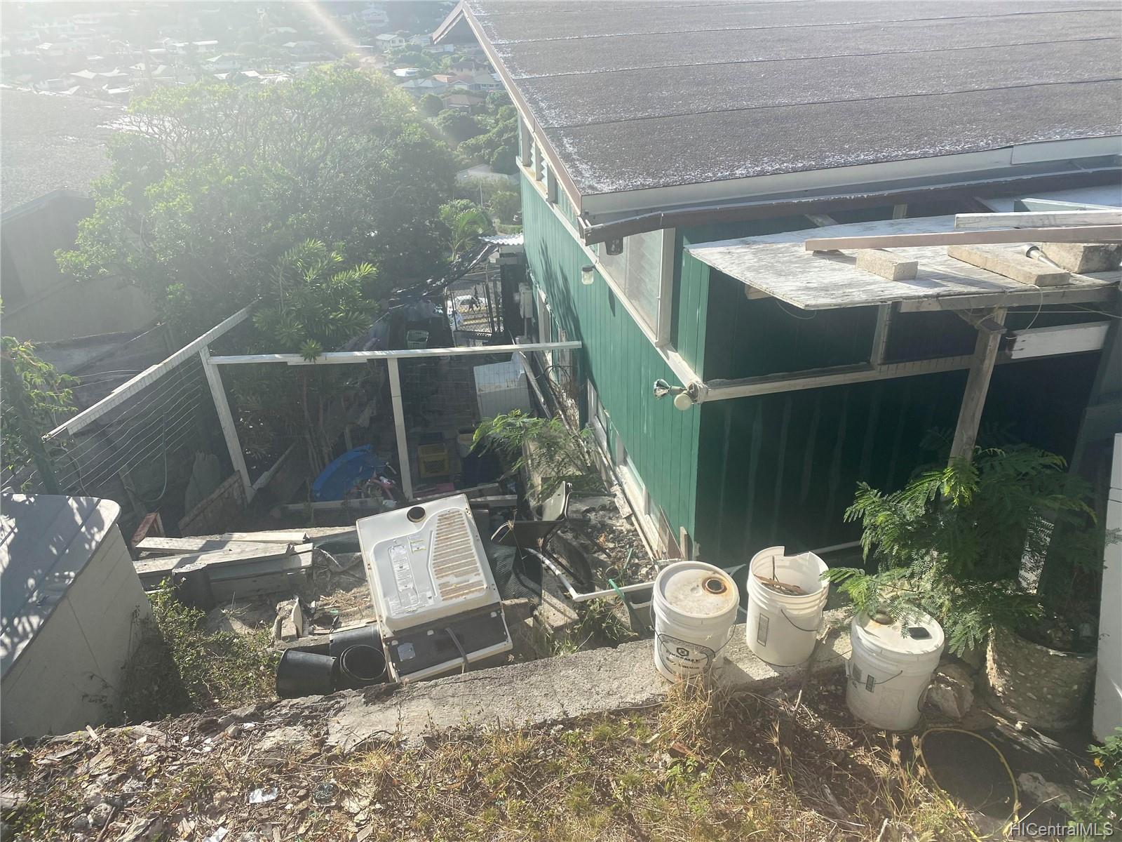 664  Aipuni Street Aina Haina Area, Diamond Head home - photo 9 of 9