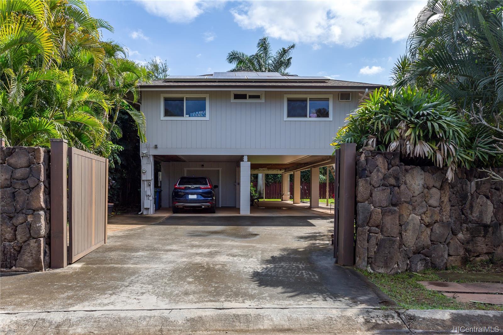 67-203  Niumaloo Place Waialua, North Shore home - photo 1 of 19