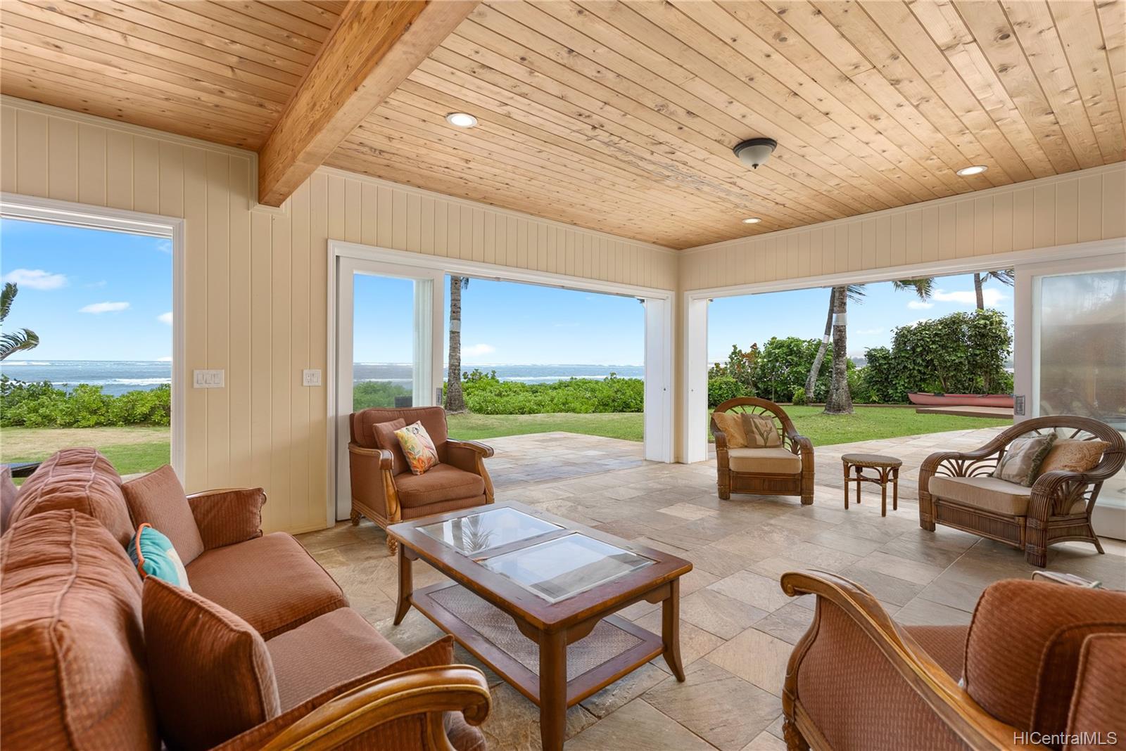 67-419  Waialua Beach Road Waialua, North Shore home - photo 9 of 24