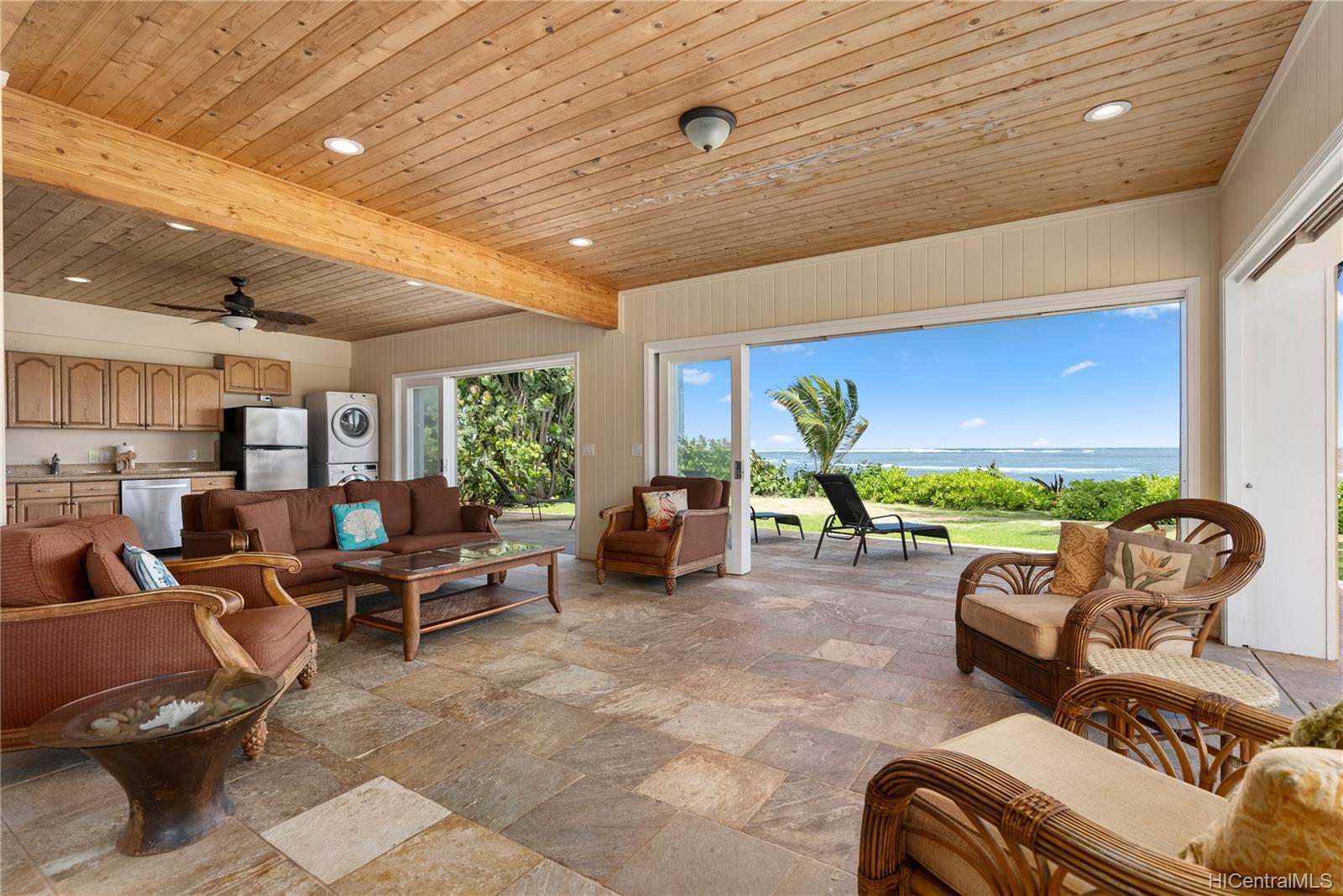 67-419  Waialua Beach Road Waialua, North Shore home - photo 10 of 24