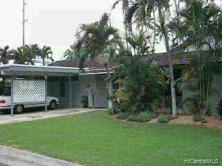 68  Kalaka Pl Beachside, Kailua home - photo 3 of 11