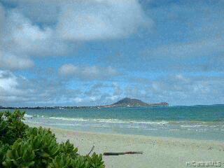 68  Kalaka Pl Beachside, Kailua home - photo 5 of 11