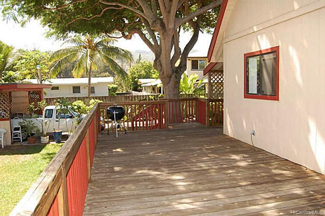 68046  Laau Paina Pl Mokuleia, North Shore home - photo 2 of 11