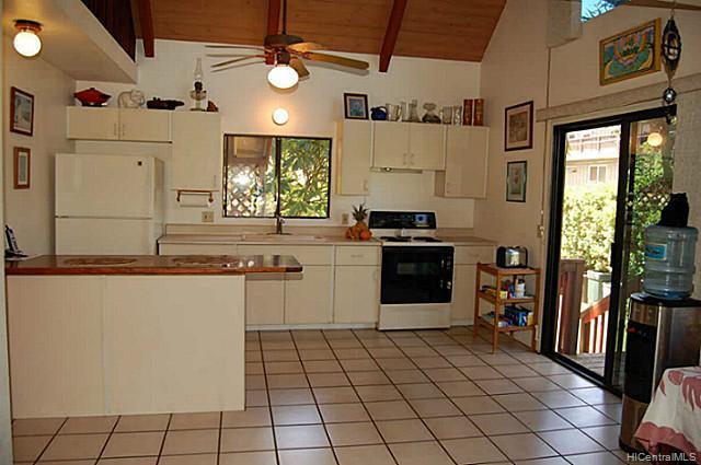 68046  Laau Paina Pl Mokuleia, North Shore home - photo 8 of 11