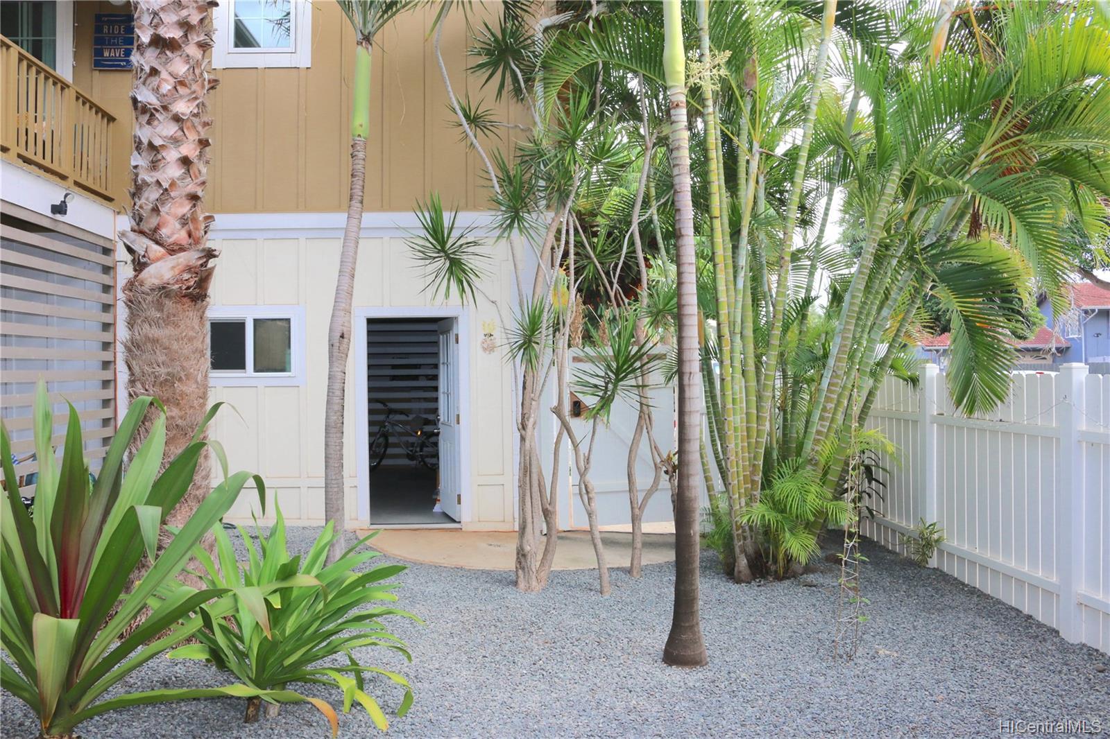 68-069  Akule Street Waialua, North Shore home - photo 6 of 23