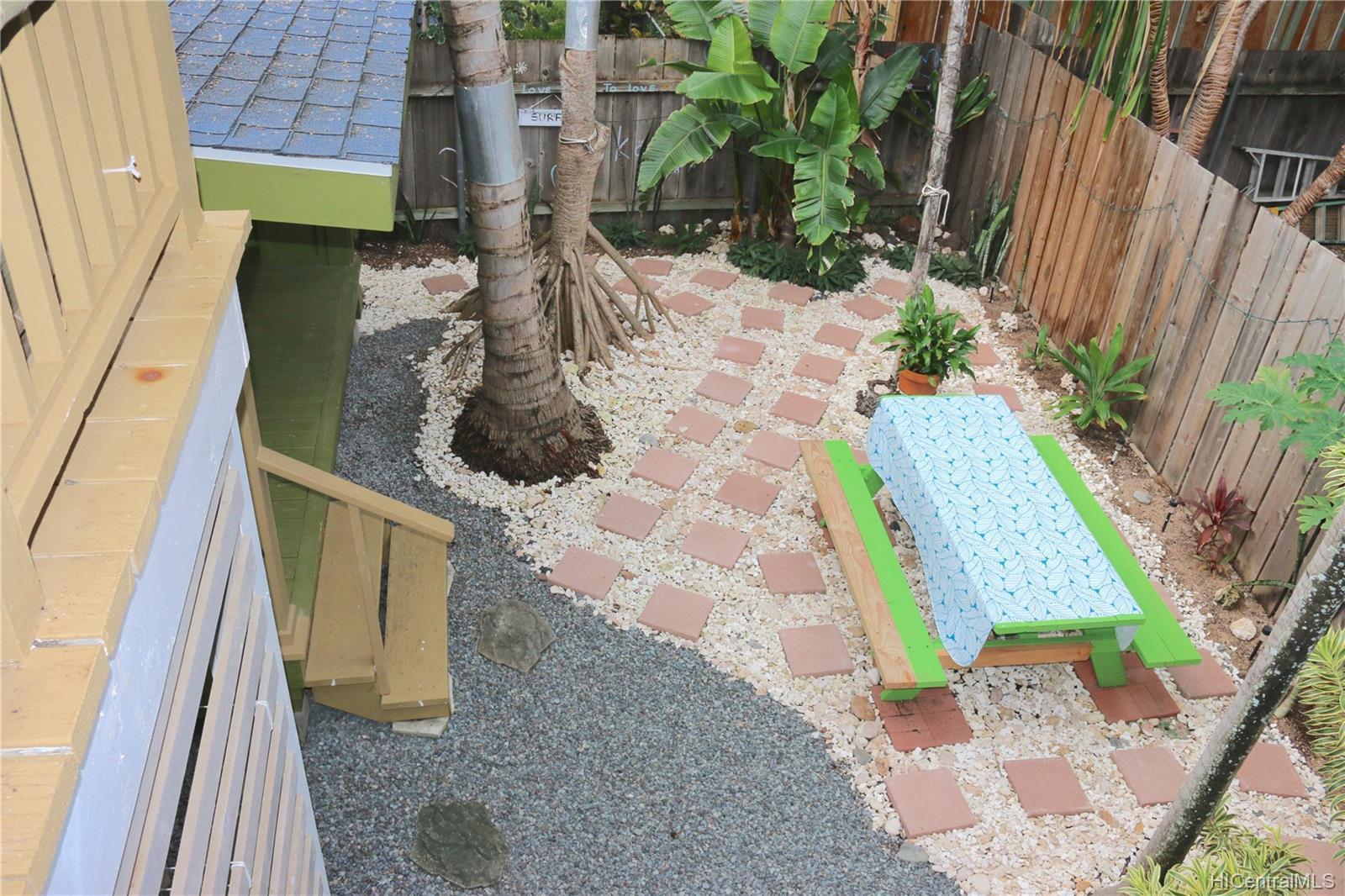 68-069  Akule Street Waialua, North Shore home - photo 8 of 23