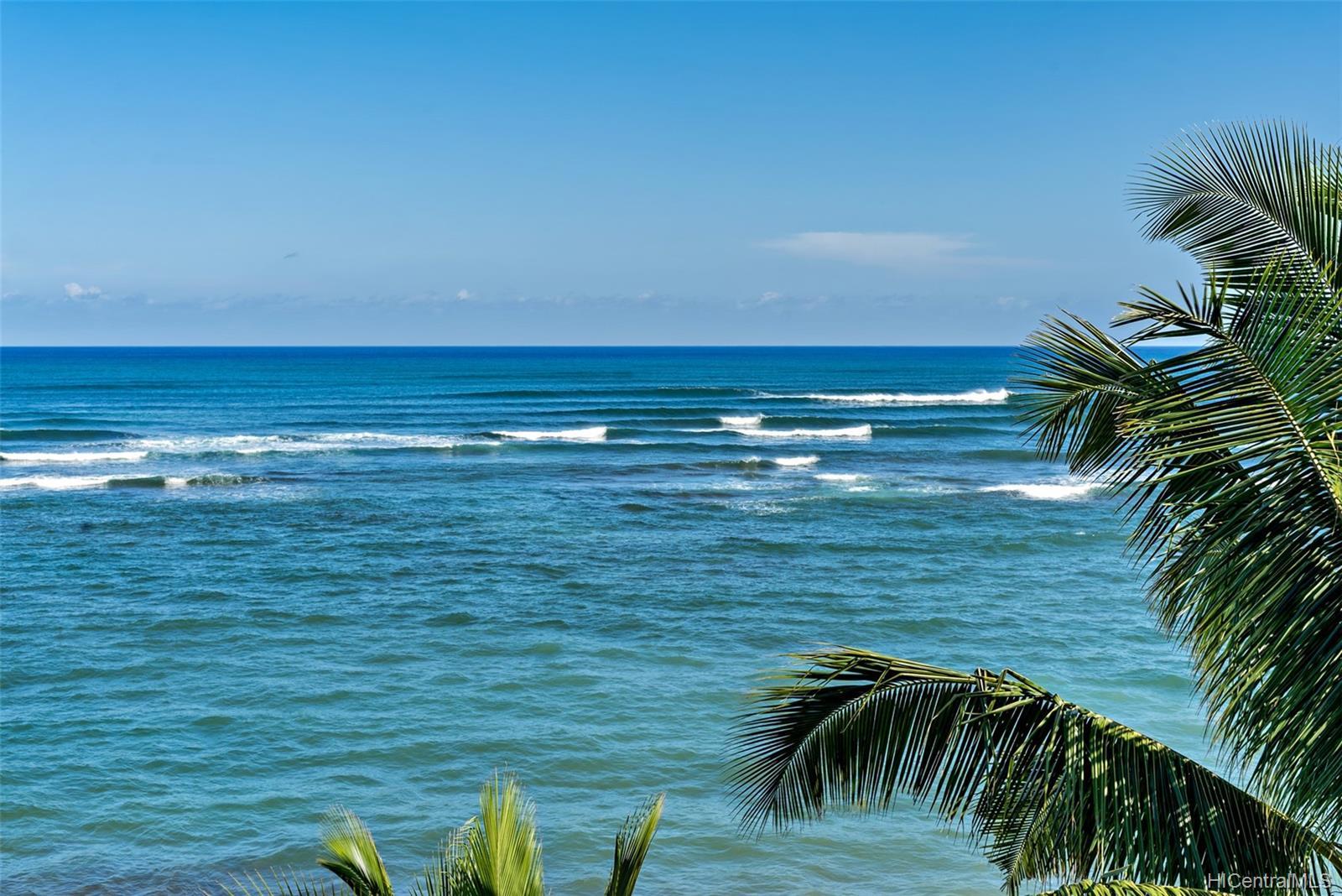 Sunset Shores condo # 502, Waialua, Hawaii - photo 3 of 25