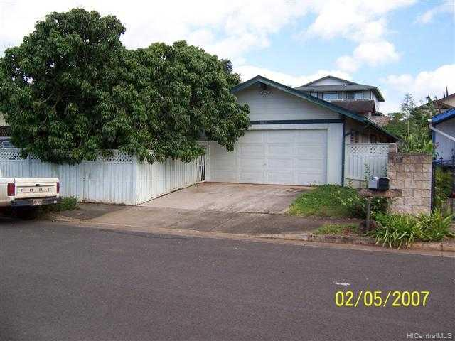 682  Kulia St Whitmore Village, Central home - photo 1 of 10