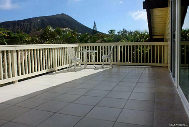 6838  Niumalu Loop Mariners Cove, Hawaii Kai home - photo 6 of 11