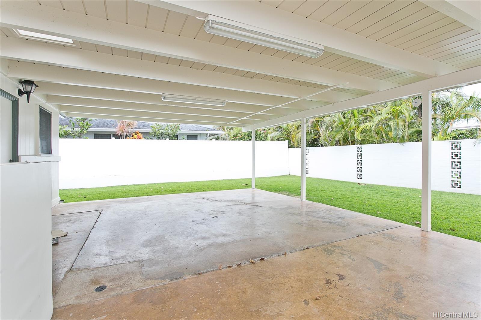 684  Keolu Drive Enchanted Lake, Kailua home - photo 14 of 22