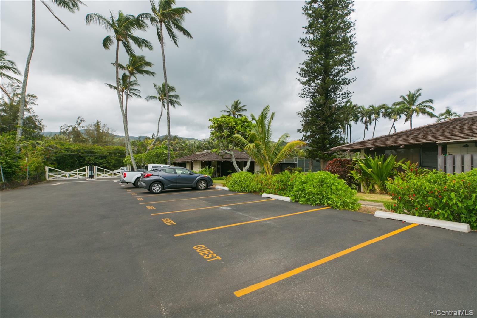 Mokuleia Beach Colony condo # 1B, Waialua, Hawaii - photo 14 of 25