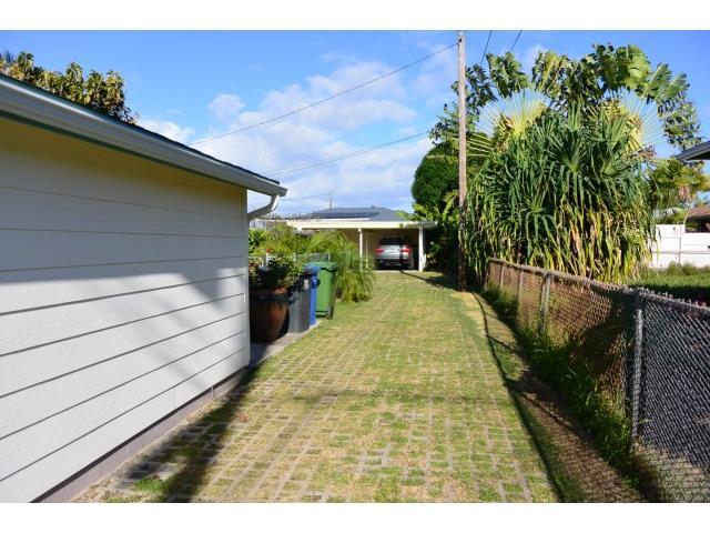690  Kihapai St Coconut Grove, Kailua home - photo 3 of 17