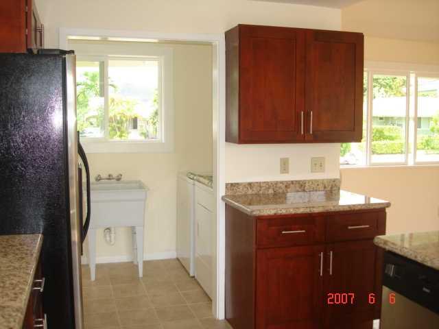 690  Kihapai St Coconut Grove, Kailua home - photo 2 of 7