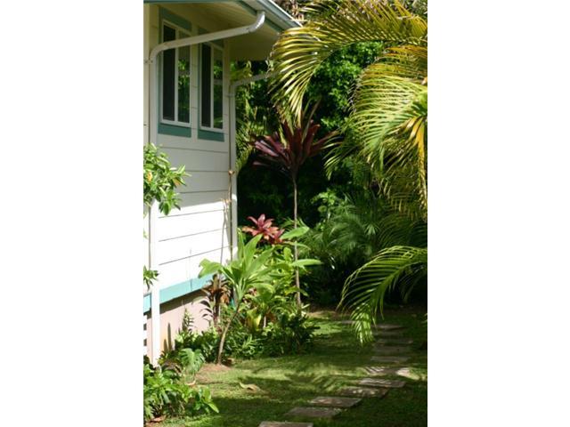 690  Kihapai St Coconut Grove, Kailua home - photo 7 of 7