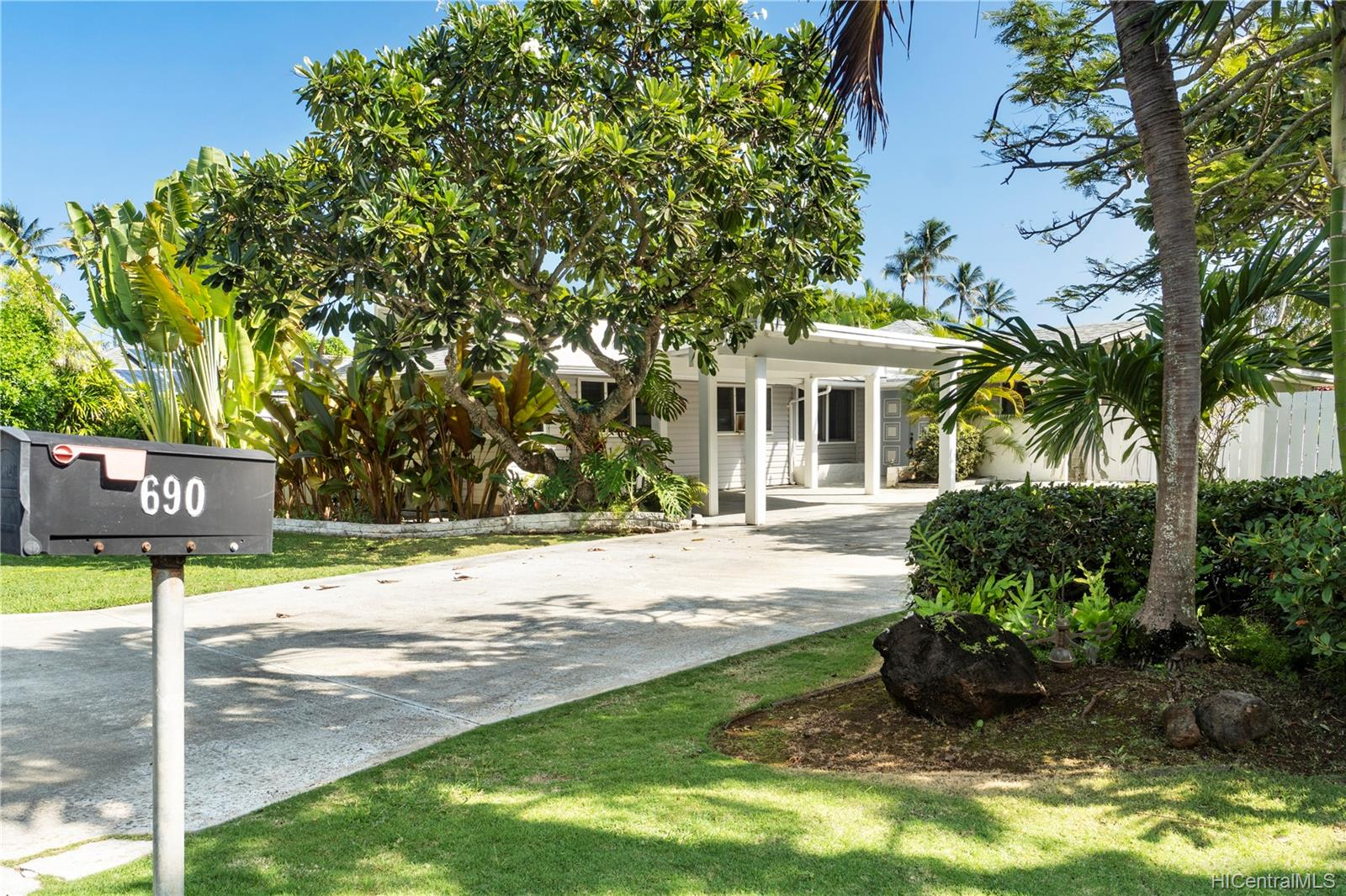 690  Old Mokapu Road Kaimalino, Kailua home - photo 1 of 25
