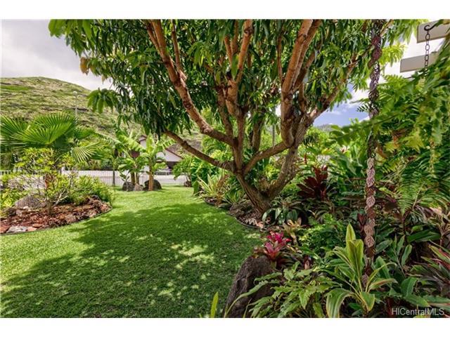 6902  Niumalu Loop Mariners Cove, Hawaii Kai home - photo 18 of 24