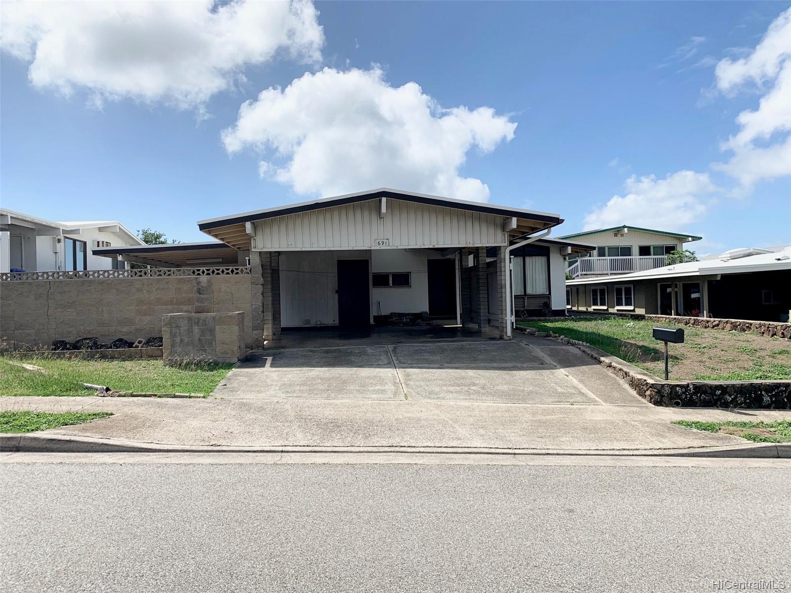 691  Ahukini Street Koko Head Terrace, Hawaii Kai home - photo 1 of 1
