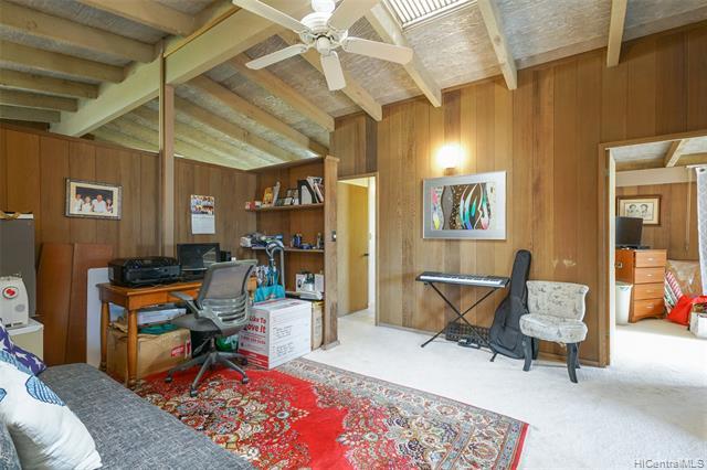 691  Kalalea Street Koko Head Terrace, Hawaii Kai home - photo 21 of 25