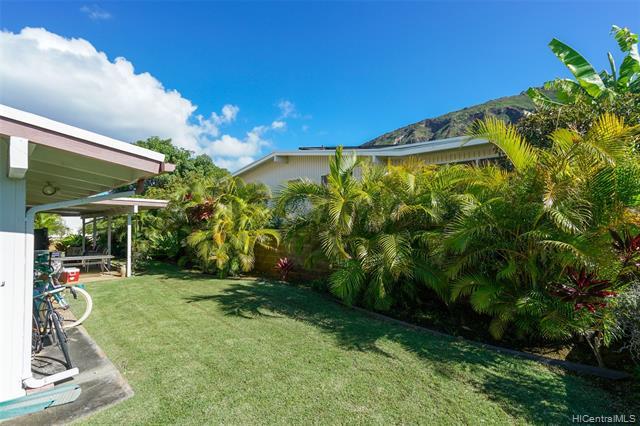 691  Kalalea Street Koko Head Terrace, Hawaii Kai home - photo 4 of 25