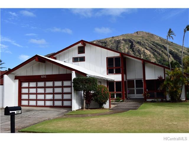 691  Kalanipuu St Mariners Cove, Hawaii Kai home - photo 3 of 23