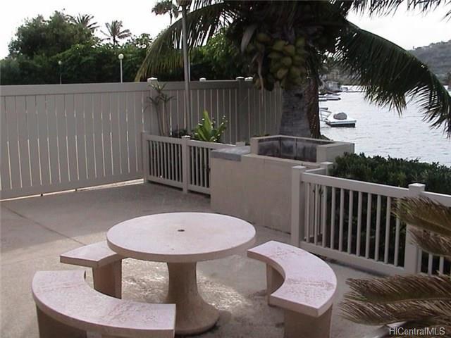 691  Kalanipuu St Mariners Cove, Hawaii Kai home - photo 22 of 23