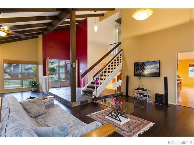 691  Kalanipuu St Mariners Cove, Hawaii Kai home - photo 6 of 23