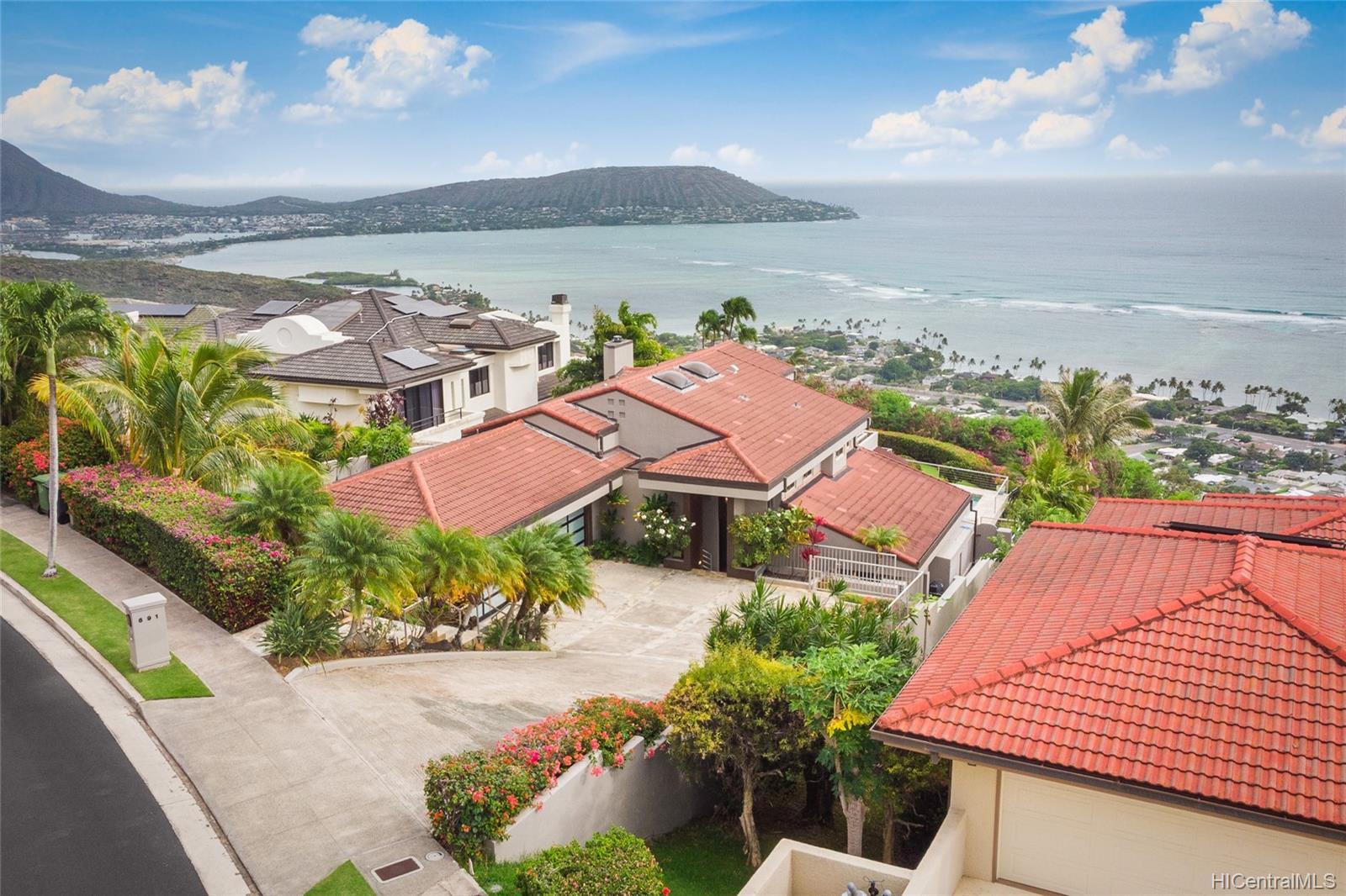 691 Kaulana Place Honolulu - Rental - photo 4 of 25