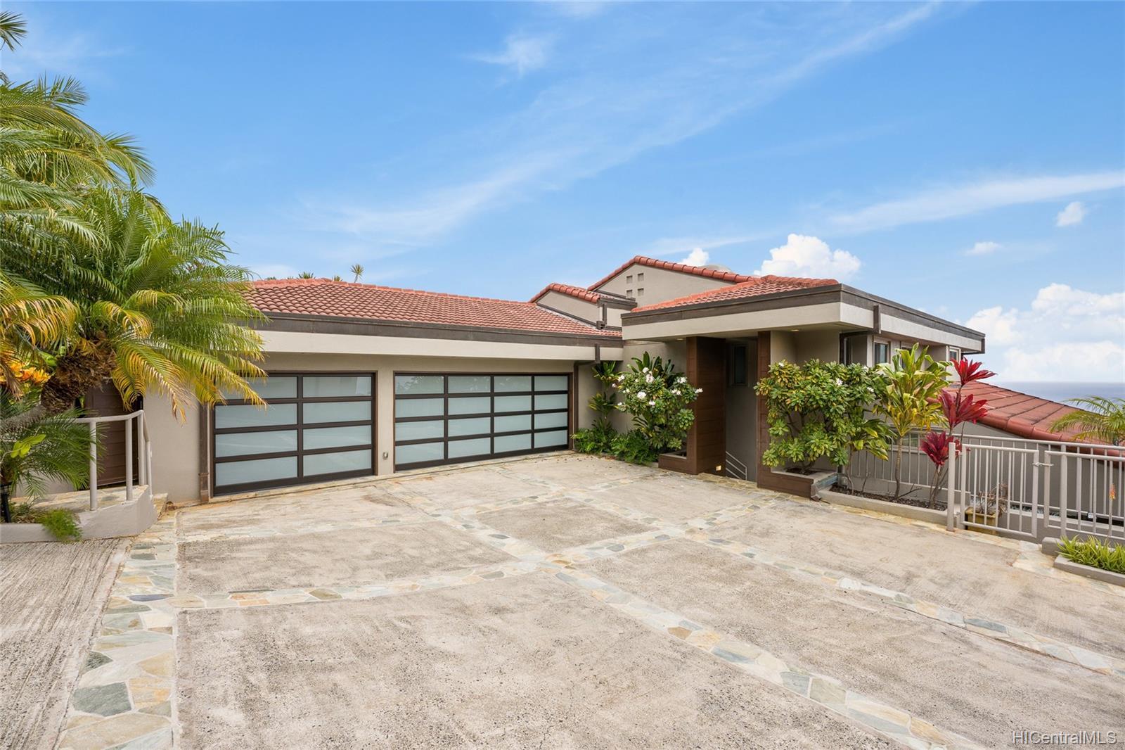691 Kaulana Place Honolulu - Rental - photo 5 of 25