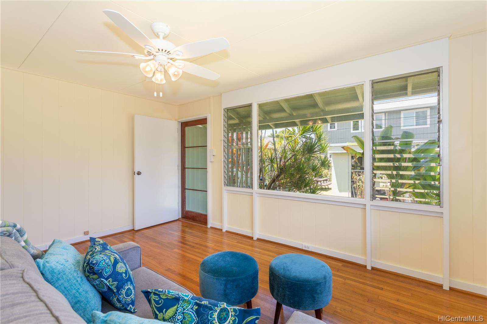 691  Kihapai Street Coconut Grove, Kailua home - photo 4 of 22