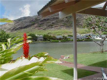 6929  Niumalu Loop Mariners Cove, Hawaii Kai home - photo 3 of 10
