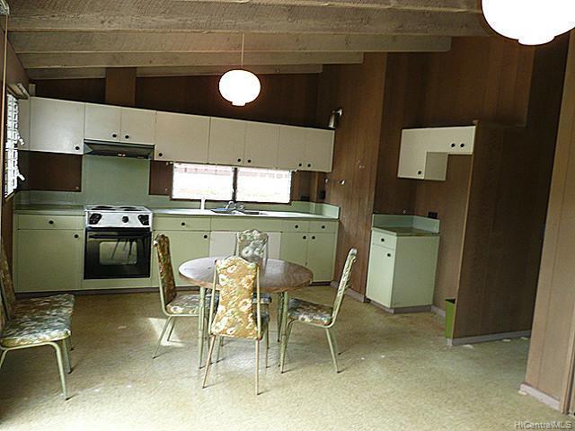 694  Ahukini St Koko Head Terrace, Hawaii Kai home - photo 3 of 5