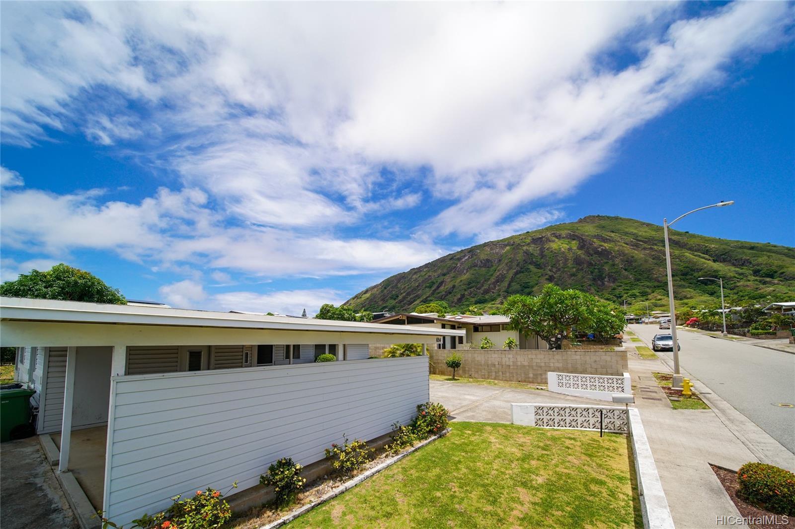 694  Kalalea Street Koko Head Terrace, Hawaii Kai home - photo 18 of 25