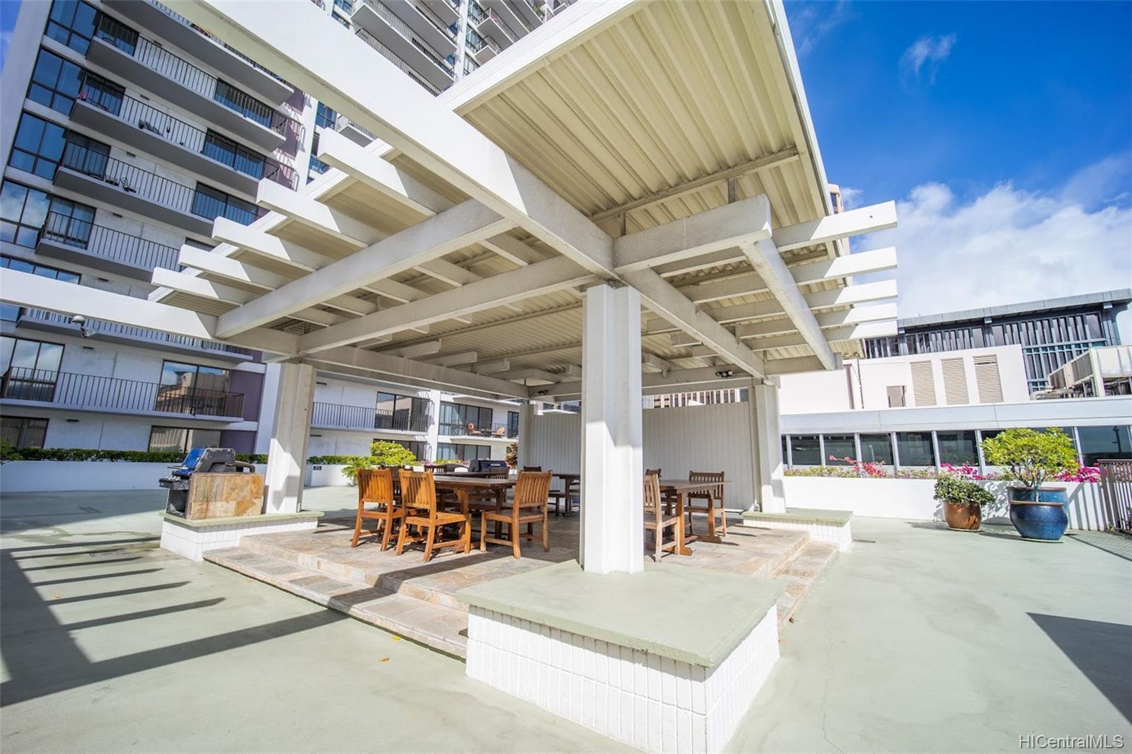 Harbor Square condo # 1408, Honolulu, Hawaii - photo 17 of 21