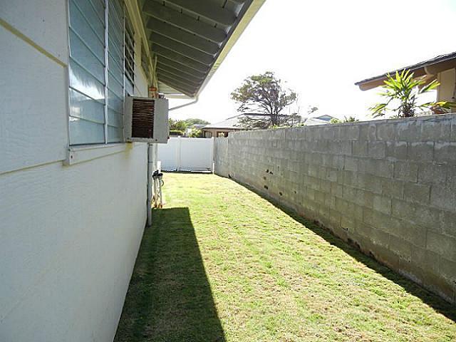 7224  Kuahono St Mariners Valley, Hawaii Kai home - photo 16 of 19