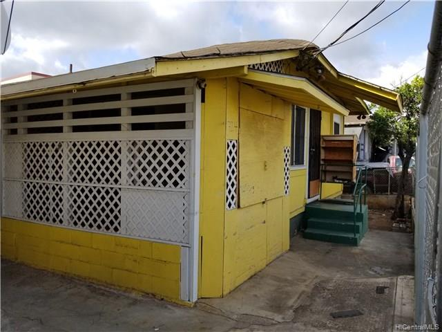 724 Bannister St Honolulu Oahu commercial real estate photo1 of 16