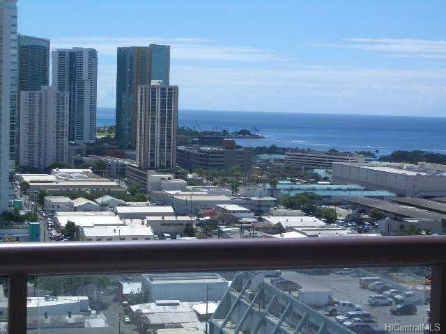 Imperial Plaza condo #2206, Honolulu, Hawaii - photo 1 of 10