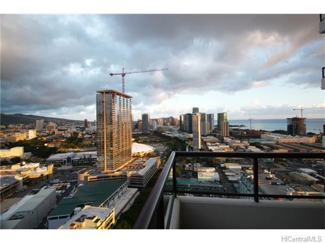Imperial Plaza condo #3005, Honolulu, Hawaii - photo 1 of 16