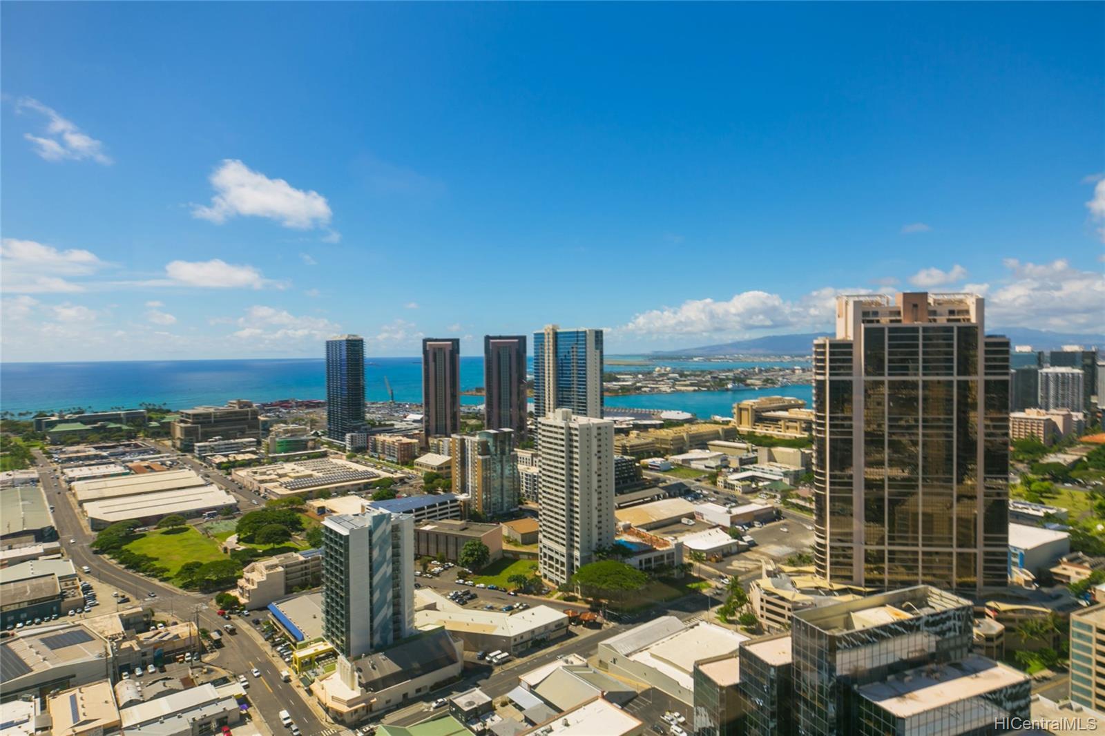 Imperial Plaza condo # 3602, Honolulu, Hawaii - photo 3 of 25