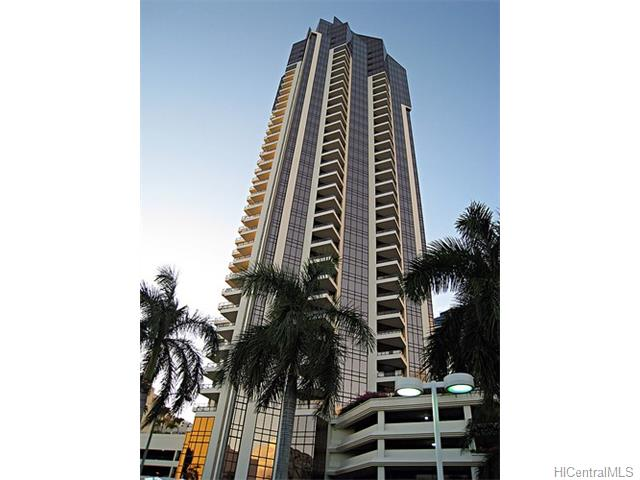 Imperial Plaza condo #601, Honolulu, Hawaii - photo 1 of 17