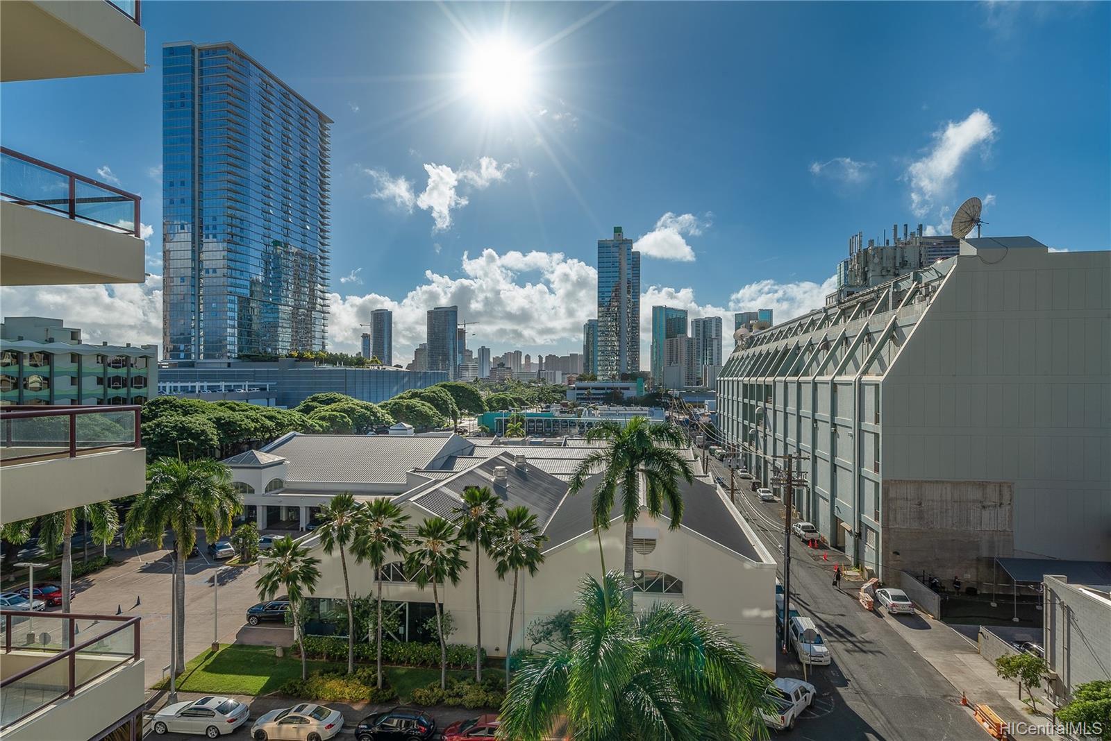 Imperial Plaza condo # 702, Honolulu, Hawaii - photo 8 of 24