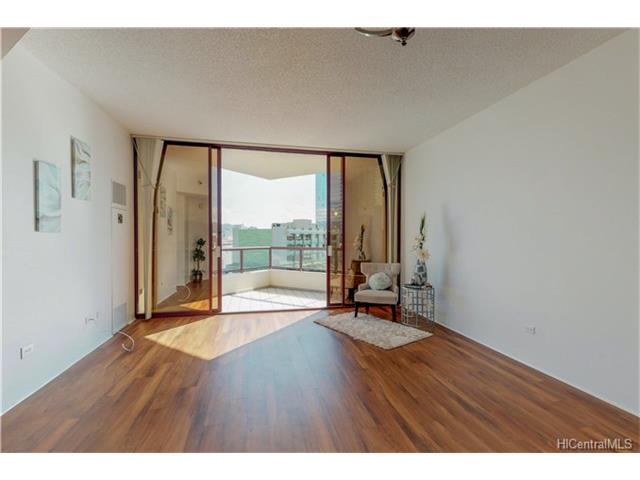 Imperial Plaza condo #806, Honolulu, Hawaii - photo 1 of 21