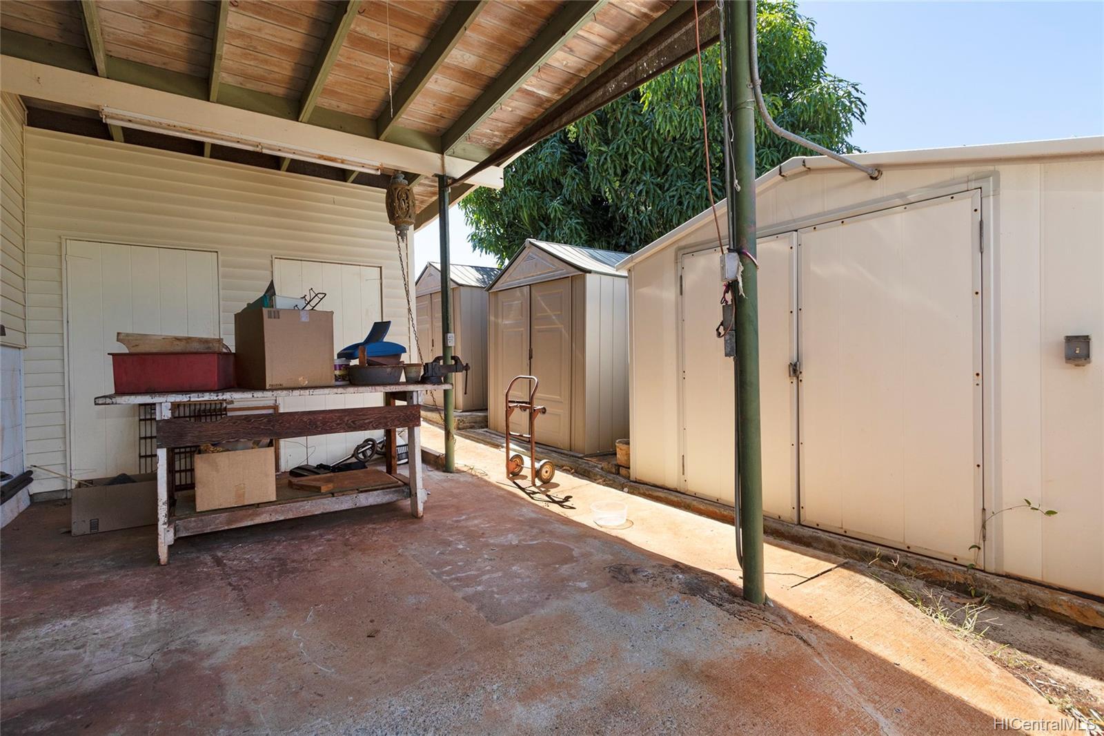 729  12th Ave Kaimuki, Diamond Head home - photo 24 of 25