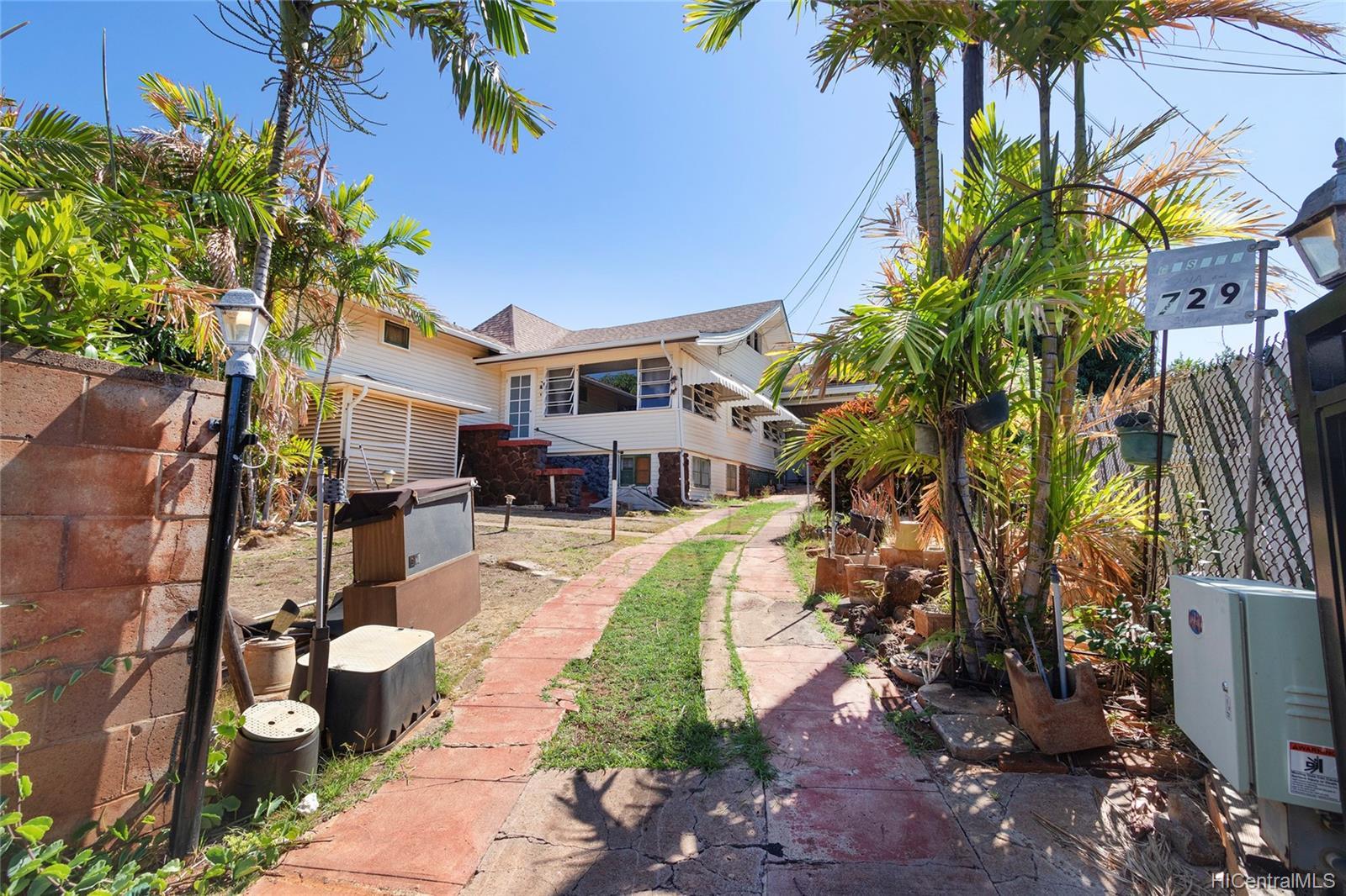 729  12th Ave Kaimuki, Diamond Head home - photo 7 of 25